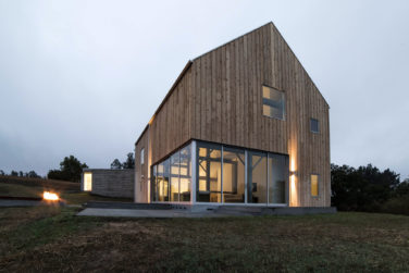 Дом в стиле Барн Хаус