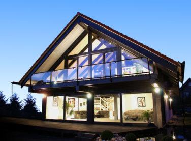 Современный дом в стиле фахверк